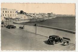 CPA   Le Grau-du-Roi. (Gard 30). La Promenade Et Les Hôtels. (Hôtel De La Plage )CIRCULEE  ° - Le Grau-du-Roi