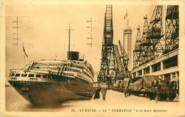 """Cpa LE HAVRE 76 La """" NORMANDIE """" à La Gare Maritime - Port"""