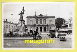 52 HAUTE-MARNE / SAINT-DIZIER / LA MAIRIE , MOTO ET VOITURES ANCIENNES / 1939 - Saint Dizier