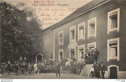 OBERPALLEN. Attelages Et Cyclistes Devant L'Hôtel Kieffer-Heinen 1919 - Rodange