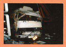 PHOTO ORIGINALE 1987 BESSINES SUR GARTEMPE Hte VIENNE - ACCIDENT DE DE CAMION RENAULT SAVIEM (?) - CRASH TRUCK - Cars