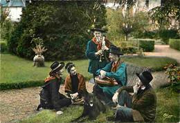 Folklore - Costumes - Auvergne - Les Contes Auvergnats - Vielle - Biniou - Voir Scans Recto Verso - Costumes