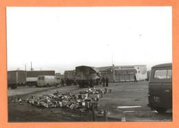 PHOTO ORIGINALE 1979 TOURY EURE ET LOIR - ACCIDENT DE CAMION BAR RESTAURANT - CITROEN C35 - CAR TRUCK - Cars
