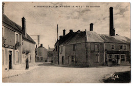 CPA 28 - BOISVILLE-LA-SAINT-PERE (Eure Et Loir) - 6. Un Carrefour - Ed. Laillet - Autres Communes