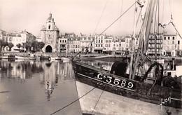 17 - LA ROCHELLE - Le Port Et La Tour De L'Horloge - La Rochelle