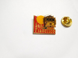 Beau Pin's Pins , Ville De San Francisco , Californie , USA - Cities