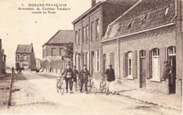 DOUANE FRANCAISE / ARRESTATION DE CYCLISTES FRAUDEURS, RENTREE AU POSTE - Customs