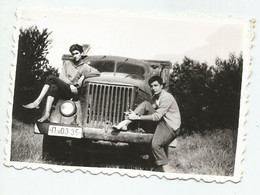 Men On The Truck  Q742-496 - Personas Anónimos