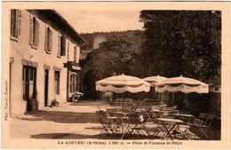 51ax 1209 CPA - LA LOUVESC - PLACE ET FONTAINE ST REGIS - La Louvesc