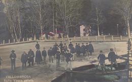 VALLOMBROSA-FIRENZE-SULLA VASCA GELATA-ANIMATISSIMA-CARTOLINA  VERA FOTOGRAFIA- VIAGGIATA IL 01-06-1907 - Firenze