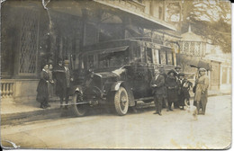 03 NERIS Les BAINS . AUTO CAR De MONTLUCON Et SES ENVIRONS Devant LE CAFE De PARIS - Neris Les Bains