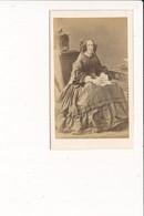 CDV Photo De Femme Noblesse  ( Photographe DISDERI 65 Rue De Siam à BREST 29  ) - Antiche (ante 1900)