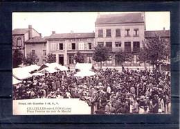 42. Chazelles Sur Lyon. Place Poterne Un Jour De Marché - Other Municipalities
