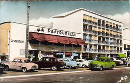 D85  ST JEAN DE MONTS LA PASTOURELLE  ........RENAULT PEUGEOT SIMCA PORSCHE FREGATE - Saint Jean De Monts