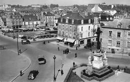 RENNES : CROIX DE LA MISSION ET LA PLACE - Rennes