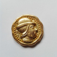 Fève Métal Doré Personnage LOUIS XI - Historia