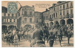 CPA - VIC-FEZENSAC (Gers) - Les Artilleurs Sur La Place Du Commerce - Vic-Fezensac