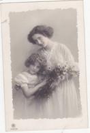 48383  -    Jolie  Fillette Avec Sa  Maman  -  Greta  Reinwald      2291 /  6 - Women