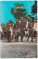CPSM Alger El Djezair La 1ère Fête Nationale Après L'indépendance Défilé Des Soldats De L'ALN (verticale) Jomone 2037 - Algeri
