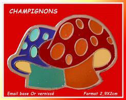 SUPER PIN'S CHAMPIGNONS : Création Visuel ARTISTIQUE De 2 CHAMPIGNONS Forts En Couleurs. Email Base Or + Vernis, 2,9X2cm - Alimentation