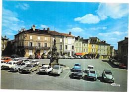 LE DORAT - 87 - Place Charles DE GAULLE - Citroen 2CV Dyane Et GS 1er Plan - 040721 - - Le Dorat
