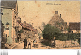 BRIOUZE GRANDE RUE 1910 COLORISEE TOILEE TBE - Briouze