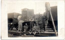 C Photo - Muchen  Wagen Bahnhof Eisenbahner  ( Cheminots Wagons  En Gare De Munich ) - Muenchen