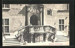 AK Danzig / Gdansk, An Der Rathaustreppe - Danzig