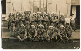 Militaires N°15 Sur Le Col - Regiments