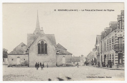 44 - SOUDAN +++  La Place Et Le Chevet De L'Eglise +++ - Otros Municipios