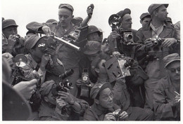 1950s Military Korea Korean Army As Photographer Paparazzi Asian Camera Postcard - Ohne Zuordnung