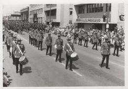 Canadian Military Street Parade Procession Postcard - Non Classificati