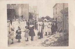 CASTELNAU De MONTRATIER: Carte-photo D'une Procession - Other Municipalities