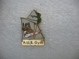 Pin's Du Club De Gymnastique  A.U.S Gym  (Alsatia Unitas Schiltigheim) à Schiltigheim (Dépt 67) - Ginnastica