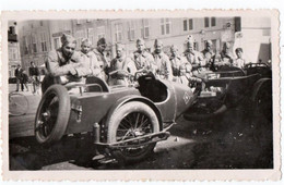 MILITARIA. LIGNY-en-BARROIS (55) PHOTO. PLACE NATIONALE. SIDE-CAR GNOME Et RHONE TYPE AX2. - Guerre, Militaire