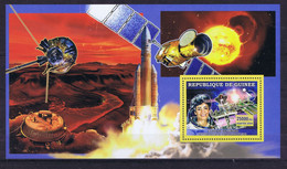 Guinea (Republic) Space 2006 French Astronaut Claudie - Guinea (1958-...)