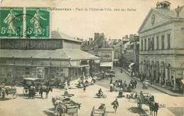 36 CHATEAUROUX. Halles Place Hôtel De Ville 1916 - Chateauroux