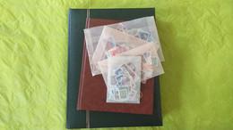 Lots TH 561 CANADA Un Lot De 2 Classeurs + Un Vrac De 500 Timbres Dans Des Pochettes - Colecciones (en álbumes)
