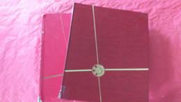 Lots TH 524 MONDE Un Lot De 2 Classeurs Obliteres - Sammlungen (im Alben)