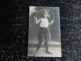 Jeune Fille Avec Cerceau    (L11) - Other