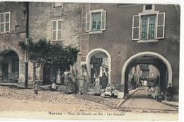 CPA   NOYER  Place Du Marché Au Blé  , Les Arcades - Noyers Sur Serein