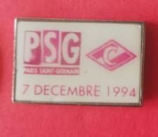 PIN'S - PSG - SPARTAK Moscou ( 07/12/1994) - Fussball