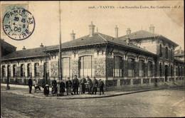 CPA Vanves Hauts De Seine, Les Nouvelles Écoles, Rue Gambetta - Otros Municipios
