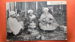 CPA.  Maroc Scènes Et Types Marocains Prenant Le Thé (R3.813 ) - Otros