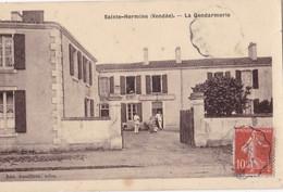 CPA/399.......SAINTE HERMINE ...GENDARMERIE - Sainte Hermine
