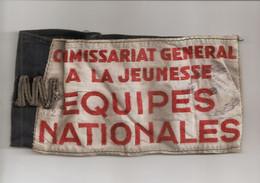 Brassard  :   Commissariat General  A La Jeunesse Marque   5724 Tampon Marque Seine  Plus Autre Chose Cache Parle S Roug - 1939-45