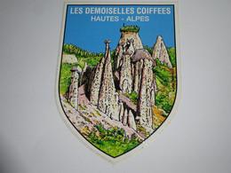 Blason écusson Adhésif Autocollant Demoiselles Coiffée Aufkleber Wappen Sticker Coat Arms Adesivi Stemma Adhesivo Escudo - Oggetti 'Ricordo Di'