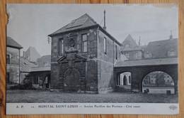 Paris - Hôpital Saint-Louis - Ancien Pavillon Des Portiers - Côté Ouest - Détérioration Bords Gauche Et Haut - (n°20820) - Health, Hospitals
