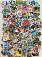 D191-MONDE Lot Important D'environ 3000 Timbres Sans Papier, Beaucoup De Pays Différents, Peu De Doubles 5 Photos - Kilowaar (min. 1000 Zegels)