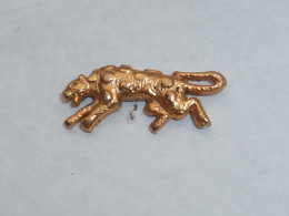 Pin's PANTHERE DOREE - Animaux